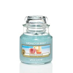 Yankee Candle Bahama Breeze Small Jar Candle, Fruit Scent